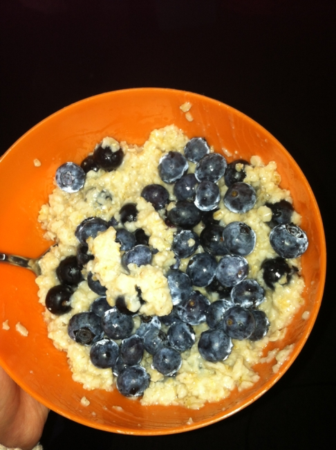 Day Two Breakfast: Oatmeal and Blueberries